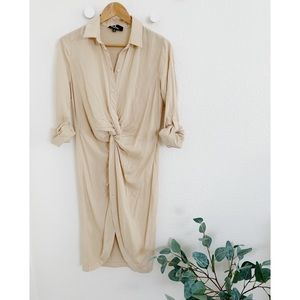 BEIGE BUTTON-UP HIGH-LOW TUNIC TOP (Worn Once!)